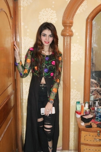 #indowestern #suit #kurti #rippedjeans #ripped #jeans #denim #indo #indowesternlook #indowesternoutfit #indowesternwear