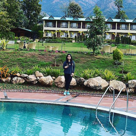 Beauty beyond definition 😇.. #travel #travel-diaries #travelphotography #ropo-travel #travelblogger #explore #mountains #sky #naturephotography #nature #ropo-nature-lover #naturebeauty #ropo-beauty #ropo-fashionblogger #instablogger #neharanjan13  #ropo-style #water #roposo-style #trendingvideo #tiktok #icon #morning #hills #woman-fashion