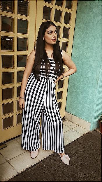 Flashing those eyes like highway signs. . . . . . . #fashionpost #fashionportfolio #roposo-fashion #fashionquotient #blue-white-striped #aayushikashyap