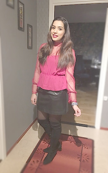 Ootd!! #fashionblogger #indianblogger #leatherskirt #highkneeboots