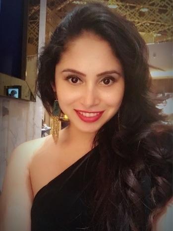 Birthday Specials ⭐️💋 . #birthday #20november2017 #happyisthenewrich #filmindustry #blissfulliving #india #mumbai #sexy  #glamourous #intothegloss #vogue #lovemylife #happylife #cinemas #celebratinglife #houseinterior #alwayshappy #globetrotter #globalgypsy #travellerdiaries #bollywoodactress #aimforhappiness #bollywoodactress #love #black #globetrotter #birthdaygirl #avantikakhattri 😊🌎