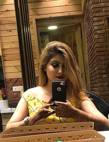 #makeupoftheday#haircolor#chic#beauty#fashion#roposolike#roposofashion#roposostyle