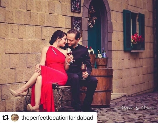 #Repost @theperfectlocationfaridabad with @repostapp ・・・ Prarthna💕 Saurabh  Prewedding shoot by @hitchedandclicked at @theperfectlocationfaridabad. Makeup @makeoverbymanleen and hairstylist @kalyugarjun. The absolutely gorgeous flaming RED GOWN by @ralphlauren.  #outdoorphotography #theperfectlocation #outdoorlocation #outdoorshoot #theperfectlocationfaridabad #prewedding #preweddingshoot #preweddingphoto #preweddingphotography #outdoorpreweddingshoot #coupleshoot #preweddingindelhi  #vintagetuscany #vintagetuscanystreet #authentic #cobbledstreet #pizzeria #barlane #tuscanystreet #tuscany