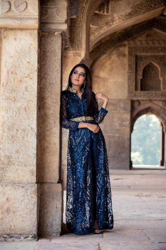 Blue for Diwali 💙 📷- @thepicturephactory  Make Up- Somai Seth . #howilikeit #howilikeitjournal #geetikasehgal #blogger #fashionblogger #fashion #diwali#diwali2017 #diwalioutfit #indianwear #indianoutfit #blue #indowestern #indianjacket #jacket #indowesternlook