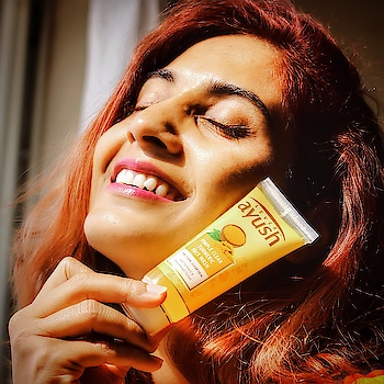 Due to frequent travelling especially trekking, my skin had been facing drastic weather changes. I realised this on my Roopkund Trek especially, that harsh temperatures caused break outs on my skin and I had to do something!! 😧🤔  So, I had been using this Lever Ayush's Turmeric Face wash for some time now and I must say that this face wash with its Ayurvedic Formulation and Antiseptic Properties has been really effective in keeping acne at bay. Now I am not worried about my next trek or any travel whatsoever!! My skin is safe! 🙌🏻🤩   #LeverAyush #ayurveda #skincare #indianbeautyblogger #ShailySingh