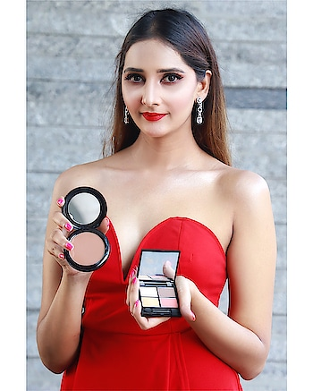 Unleash your inner artist with @zuiiorganic eye shadow palettes, featuring colour-coordinated and on- trend eye shades & give your face a pop of color with their blush collection 🌸💋😎 @zuiiorganic ⠀⠀⠀⠀⠀⠀⠀⠀⠀⠀⠀⠀⠀⠀⠀⠀⠀⠀⠀⠀⠀⠀⠀⠀⠀⠀⠀⠀⠀ ⠀⠀⠀⠀⠀⠀⠀⠀⠀⠀⠀⠀⠀⠀⠀⠀⠀⠀⠀⠀⠀⠀⠀⠀⠀⠀⠀⠀⠀⠀⠀⠀⠀ ⠀⠀⠀⠀⠀ ⠀⠀⠀⠀⠀⠀⠀⠀⠀⠀⠀⠀⠀⠀⠀⠀⠀⠀⠀⠀⠀⠀⠀⠀⠀⠀⠀⠀⠀⠀⠀⠀⠀ ⠀⠀⠀⠀⠀⠀⠀⠀⠀⠀⠀⠀⠀⠀⠀⠀⠀⠀⠀⠀⠀⠀⠀⠀⠀⠀⠀⠀⠀⠀⠀⠀⠀⠀ ⠀⠀⠀⠀⠀ ⠀⠀⠀⠀⠀⠀⠀⠀⠀⠀⠀⠀⠀⠀⠀⠀⠀⠀⠀⠀⠀⠀⠀⠀⠀⠀⠀⠀ @saniya_dhuniya_mua @amjad.anis.5 @mbphotograper  #blush #eyeshadow #makeup #makeupartist #beautyblogger #beautyblog #makeupjunkie #makeuplover #eyeshadowlover #eyeshadowjunkie #eyeshadow #blush #blushlover #blushons #makeupbrand #organicmakeup