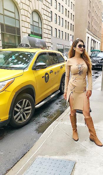 Random NYC Street photos 😍😍 : #newyorkwithnehamalik  #usatripwithnehamalik 🇺🇸 : #newyork #newyorkcity #usatrip #manhattan #newyorkstreetstyle #newyorkstreets #newyorkstyle #streetphotography #streetstyle #portraitphotography #portraits #iphonephotography #travelgram #luxurytravel #luxuryworldtraveler #nehamalik #travelblogger #model #actor #blogger #xoxo