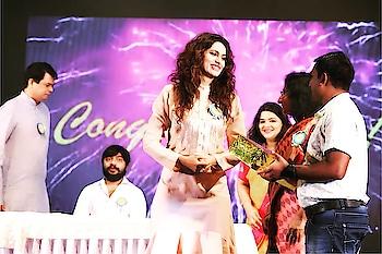 "Honoured to be invited as a ""Chief Guest"" for the Annual day celebration of ""Sri Sri Ravishankar Vidya Mandir"" @srisriravishankar #school #annualday #celebration #2018 #chiefguest #deeply #honoured #thankyou @hardikkhanna04 🙏😊"