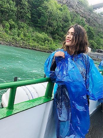 MAID OF THE MIST NIAGARA FALLS 😍😍 : #buffaloniagarawithnehamalik  #usatripwithnehamalik 🇺🇸✈️ : #maidofthemist #niagarafallsusa #buffaloniagara #niagarafalls #beauty #adventure #amazing #thrill #experience #boatride #adventureride #beautifulview #waterfall #beautifulmorning #naturalwonder #naturebeauty #nehamalik #model #actor #diva #blogger #instagood #instafollow