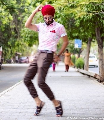 Have fun with fashion!  . . . . . . . . . . . . . #DandysLaboratory #DandyChilling #Coachella #FloralShirt #PocketSquare #LeatherSandal #WeAreExploraholic #BloggerHuntertr #ClassyDapper #LetsTalkTrend #OOTD #FashionBlogger #IndianFashionBlogger #DelhiFashionBlogger #Blog #Style #Menswear #Fashion #MensStyle #StreetStyle #MensStreetStyle #MensStyleGuide #MenOnRoposo #Like4Like #OkayBye