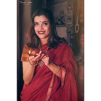 Festive vibes captured so beautifully by @devendra.one ☺️🙌🏻 Thankyou @pixelpune for this wonderful photoshoot 🙏🏻🙏🏻 wearing my mother's Induri cotton saree ❤️☺️ #festive #diwali #photoshoot #pixelpune #saree #desigirl #diwalivibes #festivefeels #sareelove #potd #traditional