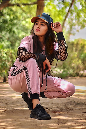 As you know, I am so obsessed with Pink and Sport Gear that this @sheinofficial Pink Coordinate suits perfect to my look with A lot of comfort to slay anywhere and everywhere! My current favourite ❣️ . . Cap: @urbanmonkeyindia  Coordinate: @sheinofficial  Shoes: @nike Photography: @aman_trivedi_photography . . . #pink #coordinate #tracksuit #run #walk #health #fishnet #cap #shoes #runner #jaipur #jaipurblogger #bloggerlife #photography #fun #pinkylove #bhukkadfam #mytaste2k18 #fabebg #cadrebloggers #treasuremuse 🌸