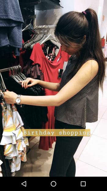Shopping for my birthday like 🤗 #shoppingtime #clothes #shoppoholic #birthdaybash #birthdaydress #18th #shopping #mall