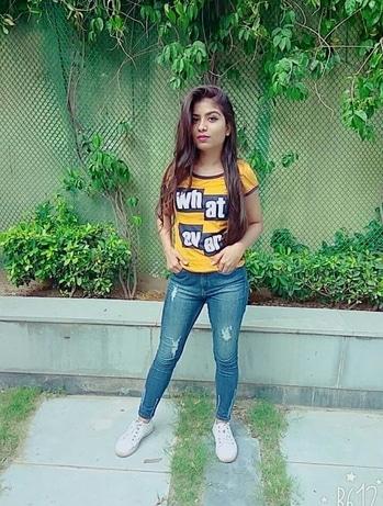 "Like "" whatever"" .................💐💐 . . Love for mustard .....💛💛💛💛 .  #thestylemeridian  #blogger  #fashion  #roposo #roposofasion  #indianblogger  #girls  #whatever  #mustard  #hair  #love  #fashionista  #delhibloggergirl  #fashionblogger  #followforfollow  #follow4follow"