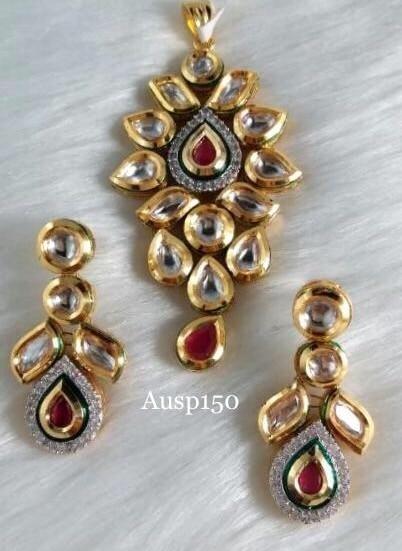 Small n elegant kundan pendant with earrings @auspiciousjewelz  Price on request  Single n bulk buyers : 09001665996  #bollywoodfashion#bridegroom#imitationjewellery#kundan#bridalwear#asianwedding#indianjewelry#indianfashion#designer#indiandesigner#makeup#fashionjewelry#vogue#style#pakistanijewelry#stylish#cute#instajewelry#designerwear#bollywoodstyle#indianjewellery#stone#partywear#jewelrygram#jewelry#jewellery#auspiciousjewelz#fashion