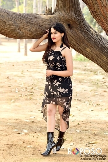 Latest trend which I love  is 90's look  which I am wearing  Dress- #dressberryindia  Boots-#koovs #hashtaggameon #allaboutlocation #blackdresslove #love #outdoorshoot #delhibloggercommunity  #fashionblogger #rocknshoplookbook #thevisionaries #ootd