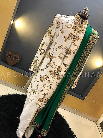 ~ROYAL RETREAT~ Classic Sherwanis For all the to be grooms!! #archithanarayanamofficial #bridalwear #bridalcouture #menswear #sherwanis #royalretreat #embellished #classic #offwhite #green #detailtheraphy #indiandesigner #tobegroom #wedding #reception #sangeet