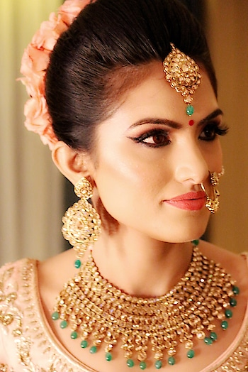 My gorgeous 👰 #Makeupbyzayna on her wedding😍thank you so much for trusting me with your magical day.😘 Makeup: @makeup_by_zayna  Hairstyling: @kuldeep_hairstylist  #makeupbyzayna #zaynaanjumghazi #zaynabeauty #happybride #wedmegood #makeuplook #makeuponpoint #makeuponfleek #weddingmakeupartist #flawlessmakeup #glowingskin #weddingday #weddingsutra #weddingdress #indiafashion #eyemakeup #makeupartistsworldwide #makeupartistry #makeupbyme #makeuptutorial #instamakeup #pinklips #mua #zayna 👩‍🎨