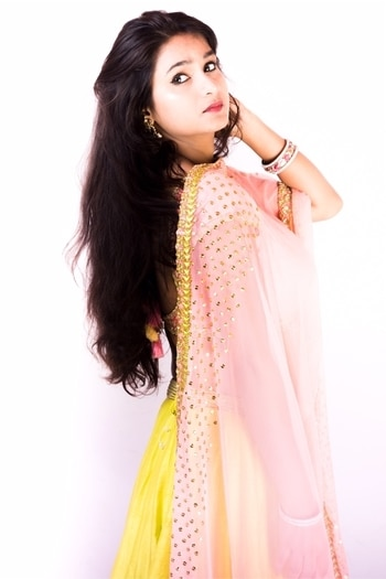 Elegance is the only beauty that never fade❤️. Outfit- @datemycloset   #wedding #ahmedabadblogger #weddingdress #occasions #fashionblogger #designerdress #lehenga #indianwedding #indianlook #treditional #trendy #designer #weddingdress #bridalmakeup #makeuptutorial #lifestyle ##styleblogger #luxuryfashion #highonlife #gorgeous #eyebrowsonfleek #instafashion #instamakeup #longhairgoals #weddingbells #weddinginspiration #stylechallenge #designerlehenga