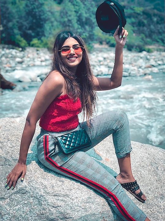 Falling in love with the awe-inspiring gorgeous scenery & innocence of Manali🌈 #WardrobeSecretsTravels #MumbaiFashionBlogger #FashionBlogger #SBLBabes #IndianTravelBlogger