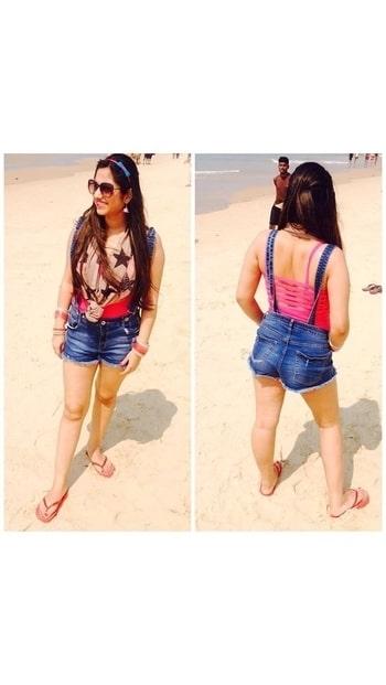 Hello peeps..!! Enjoy ur day to d fullest 😘😘😘😘 #fashionblogger #bloggerdiaries #delhiblogger #indianblogger #instablogger #instalook #comfortzone #laughing #relaxed #styleblogger #stylish #married #delhi #love😘