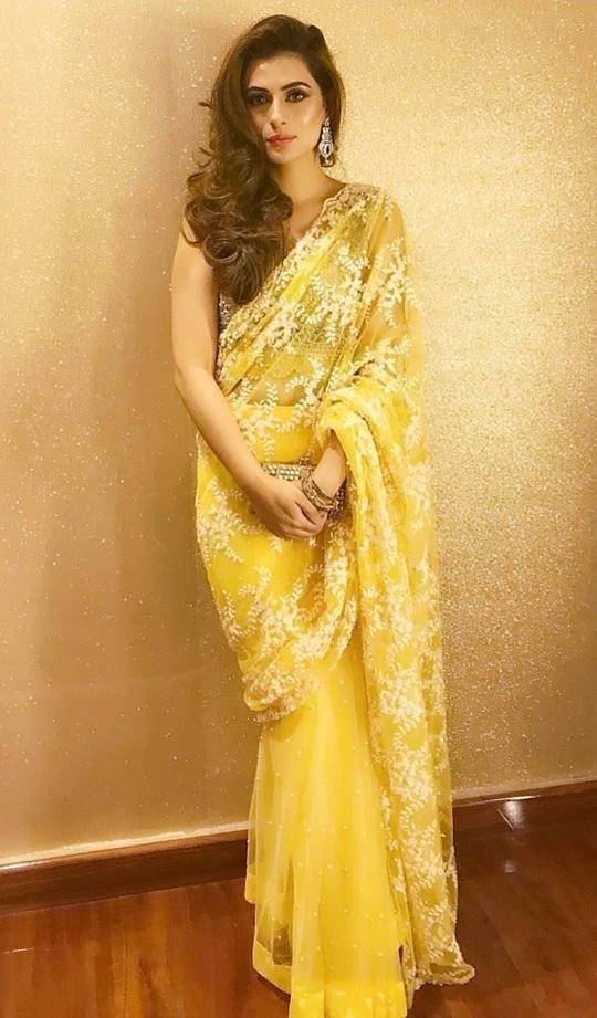 Beautiful Yellow Embroidered Saree with Open curls !! #shaadiseason  #ootd