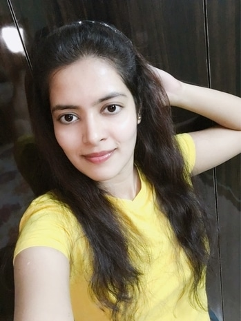 Who's gonna walk u thru d dark side of d mrng.. it ain't me😉.. #songs #kygo #yellow #ropo-style #hairband #coolcasuals #nomakeup #pinklips #gonatural #summer-style #wavyhair