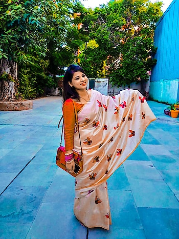 Fashion is part of our culture, and it's about more than just a pretty dress #sssfashionista #fashion #fashionnova #fashionblogger #influencer #bloggerstyle #bloggerlife #fashionblogger #poser #picoftheday📷 #ehtnic #ethnicwear #indianethnicwear #classywomen #classyoutfit 😍😘