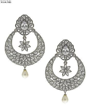 This season Anuradha Art Jewellery Presents beautiful and elegant pair of Tradtional earrings. To Order this product Whatsapp us on: +91 8888893938 or else visit our website:  anuradhaartjewellery.com . . . . . .. . . . .  #Traditionalearrings #earrings #diamondearrings  #earringsforwomen #earringsforgirls #earringsonline  #Indianearrings #earringsonlineshoppingatlowprice  #anuradhaartjewellery #partywearearring #chandbaaliearring #mumbai #pune #banglore #kolkata #delhi #Roposojewelry  #roposofashion #roposo-style