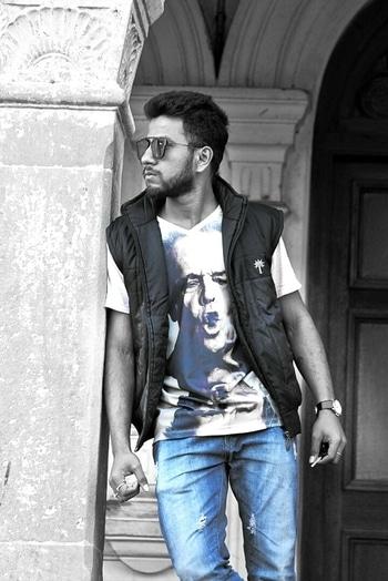 #coollook  #poseforcamera  #poseoftheday  #poserme 😄 #trendalert