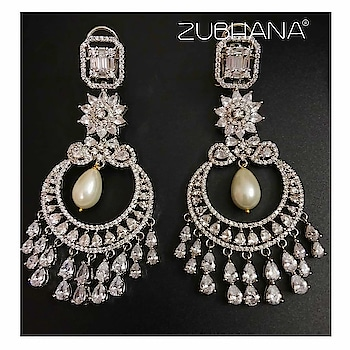 Chandbaali and diamonds This pair is everything you wish for in your Jewelry closet . Elegant, classic and will match with any outfit. Perfect travel Jewelry and so apt for destination weddings .  Contact 8860974879 or message on the page Zubhana for details #zubhana  #timelesstreasures #zubhana_jewellery  #diamonds 💎 #diamondearrings  #highjewelry  #traveljewelry  #destinationwedding  #indianwedings  #weddingjewellery  #chandeliers  #cocktailjewellery  #highjewelry  #indianwedings  #hkindians #sgindian #ukindia2017  #nriwedding #pre-wedding #prewedds  #classic-beauty  #styling  #fashion  #indianblogger  #indianbridalwear