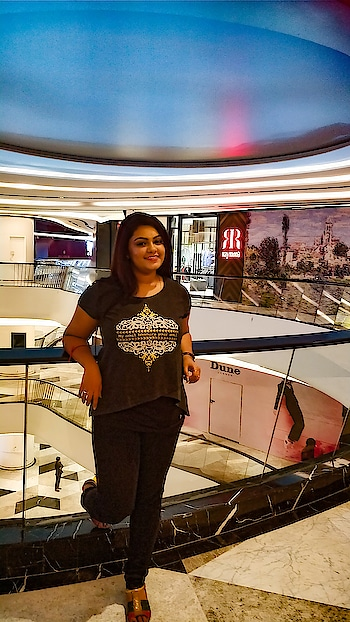 Good News ✨✨ Finally Palladium is opening officially tomorrow in Chennai 💓💓💓💓 I just had a visit to Phoenix and palladium . I witnessed brand outlets like #coach  #michaelkors #kiehls  #dolcegabbana #meenabazaar and many more luxury brands ... If you are in #chennai make sure to visit them 💞 . . . . #beautyblogger #chennaiblogger #chennaifashion #chennaiyoutuber #youtubeindia #tamilnadu #ropo-beauty #trendingnow #palladium #phoenixmarketcity #malls #follownow #likeme #10kfollowers #happy