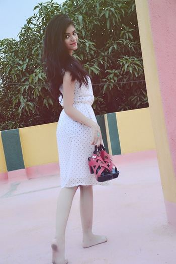monsoon days with polka dot dress from @gojilovedotcom i love to collaborate with gojilove products ...  #fashionmoments #fashionfreak #fashiontrends #bloggerlove #bloglife #blogging #blogpost #celebrityfashion #  haters u will stalk me on insta 😜 @my.own.fairytale_