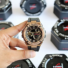 """Featuring G-Shock G-Steel models, a watch series with a new """"Layer Guard Structure."""" GST-210B maintains world-renowned G-Shock toughness: GST-210B which combines a resin band with the elegance of metal. Large hour markers feature prominent edges that enhance visibility. The face, hour markers, and dials are all layered, for a 3-dimensional look that adds to visual impact. Super Illuminator ensures easy reading in the dark. Layer Guard Structure: Different materials are used for the bezel to create a two-layer structure that enhances shock resistance. - Super illuminator high-brightness LED backlight - Neobrite  😍 comes With orginal tin box   *😍😍Price :  2600/-FREE SHIP*  to buy send watsaap on 9999142594  #roposo #so-ro-po-so #fashion #instadaily #gshockwatch #gshockwatches #watchesformen"""