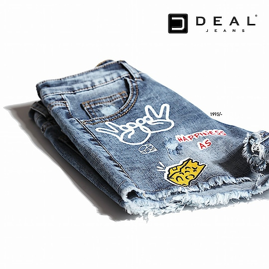 Let your denim flaunt happiness ✌🏻 🧀#dealjeans