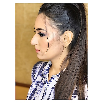 Makeup keeps your game up💁🏻♀️💗 Follow https://instagram.com/eighthhofmay  for more updates🤷🏻♀️🥂 #makeup #shimmer #shimmerandshine #makeup_artist_worldwide #makeuplove #blog #fashion  #fashion #lifestyle #influencer #style #stylebyme #inspirations #followme #followoninstagram #eighthofmayy