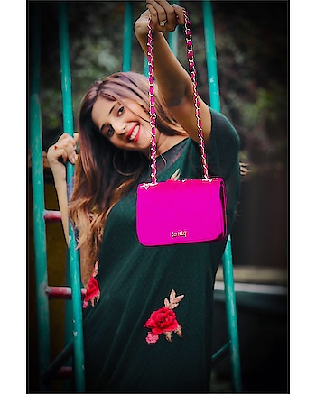 Alone in the park!😂 ⠀⠀⠀⠀⠀⠀⠀⠀⠀⠀⠀⠀⠀⠀⠀⠀⠀⠀⠀⠀⠀⠀⠀⠀⠀⠀⠀⠀⠀⠀⠀⠀⠀⠀⠀ Beautiful sling:- @toniqaccessories This statement sling bag from @toniqaccessories is the perfect accessory for special occasions. Finished in smooth pink velvet, it has a classic  design with golden star embellishments for added sparkle🌟🌟⭐️⭐️✨✨ ⠀⠀⠀⠀⠀⠀⠀⠀⠀⠀⠀⠀⠀⠀⠀⠀⠀⠀⠀⠀⠀⠀⠀⠀⠀⠀⠀⠀⠀⠀⠀⠀⠀⠀⠀ ⠀⠀⠀⠀⠀⠀⠀⠀⠀⠀⠀⠀⠀⠀⠀⠀⠀⠀⠀⠀⠀⠀⠀⠀⠀⠀⠀⠀⠀⠀⠀⠀⠀⠀ ⠀⠀⠀⠀⠀ ⠀⠀⠀⠀⠀⠀⠀⠀⠀⠀⠀⠀⠀⠀⠀⠀⠀⠀⠀⠀⠀⠀⠀⠀⠀⠀⠀⠀⠀⠀⠀⠀⠀⠀⠀ ⠀⠀⠀⠀⠀⠀⠀⠀⠀⠀⠀⠀⠀⠀⠀⠀⠀⠀⠀⠀⠀⠀⠀⠀⠀⠀⠀⠀⠀⠀⠀⠀⠀⠀⠀ ⠀⠀⠀⠀⠀⠀⠀⠀⠀⠀⠀⠀⠀⠀⠀⠀⠀⠀⠀⠀⠀⠀⠀⠀⠀⠀⠀⠀⠀⠀⠀⠀⠀⠀ ⠀⠀⠀⠀⠀ ⠀⠀⠀⠀⠀⠀⠀⠀⠀⠀⠀⠀⠀⠀⠀⠀⠀⠀⠀⠀⠀⠀⠀⠀⠀⠀⠀⠀⠀⠀⠀⠀⠀⠀⠀ Shot by:- nick_photography_143 #slings #slingbag #clutch #accessories #fashionaccessories #toniqaccessories #lifestyle #toniqretail #pinksling #cuteslingbag #slingbaglover #slingiton #loverofslings #fashionaccessory #mahhimakottary #mahhimakottaryinmusakaan #musakaan #starbharat #dollyinmusakaan @instascenex