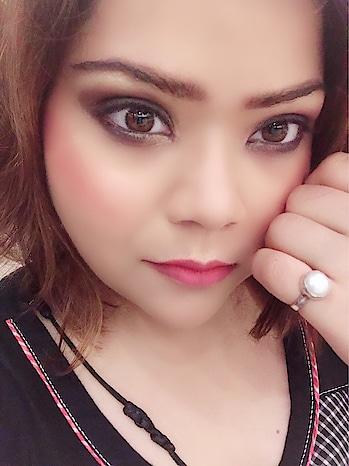 MAKEUP- The Silent Talker..!! #hercreativepalace #kanikasharma #delhi #india #blogger #influencer #makeup #onset #makeupspeaks