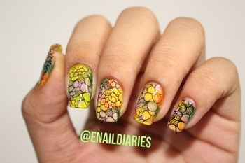 Pretty floral stamping nail art 🌺😍 ➡️SWIPE TO SEE MORE ⬅️Tutorial coming soon on my youtube channel ...❤️ And if u haven't yet subscribed to my channel then click the link in my bio 🔜 💁🏻 #indianyoutuber #instadaily @nail.art.gallery #simplynotlogical #floraldesign #nailart #love #randomnails #smooshnails #nailtrends @simply_fab_nails