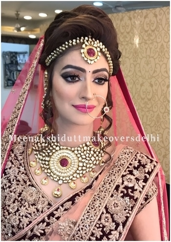 Modern yet Traditional Bride #meenakshidutt #meenakshiduttmakeoversdelhi #makeupartistindia #bridalmakeupartist #muadelhi #weddingmakeup #indianbridalmakeup #makeupandhair #makeupstudio #beautyexpert  #makeup