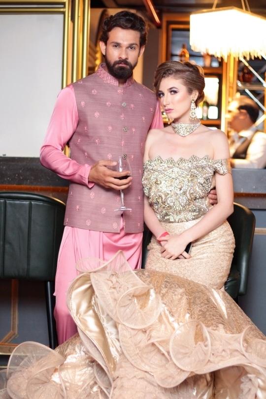S U M M E R  T R E N D S  2 0 1 7  🎶🎵🎼🎧🎸🎻 🍸🍸🍸 Preview For Bride and Groom Exhibition AW#ajjaymehrra#Aj#Lookgood#Bespokeclothing#Stylish#worldofFashion#Indian#Western#Streetstyle#Fashion#Dressy#GuinnessWorldRecords#DailyFashion#OOTD#MadewithLove#Styledose#WeddingAttire#Saritorialexcelence#Privatelable#IamStillDandy#Fashionweek#Instastyle#InternationalDesignerOfTheYear2016#mentagram#geltelman#gentalmans#suits#suitsyou#instalikes#uomolooks#mensfashionblog#menscollecton#mensoutfits#mensfashionreview#instalikes#instafollowersclub#classic#thesuitsgroup#india🇮🇳
