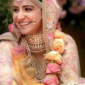#anushkasharma looking pretty on her #wedding #viratkohli #virushka #weddingdiaries #bridal #bridal-jewellery #bridalwear