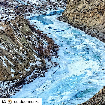 OMG I so want to do this again 😍😍😍The Chadar Trek has by far been the best trek of my life n thanks so much Rohini for getting me into this 😘😘😘 #Repost @outdoormonks with @get_repost ・・・ Frozen Zanskar river trek also called the Chadar Trek, is one of the unique treks in the World . As the sub-zero temperature freezes the river, it forms a sheet (Chadar), making way for traders and wanderers . . Join @outdoormonks for an experience of a lifetime! . . Book now 2019 ! DM or email us at hello@outdoormonks.com for more info . . . #lehladakh #chadartrek #travelbuddy #india #decathalon #adventure #camping #instadaily #winteriscoming #frozenriver #himalayas #naturewonders #india #travelrealindia #travel  #indiapictures #himalayangeographic #igtravel #travelmore #fitness #walk #winter #snow #kedarkantha #chopta #triund #outdoormonks
