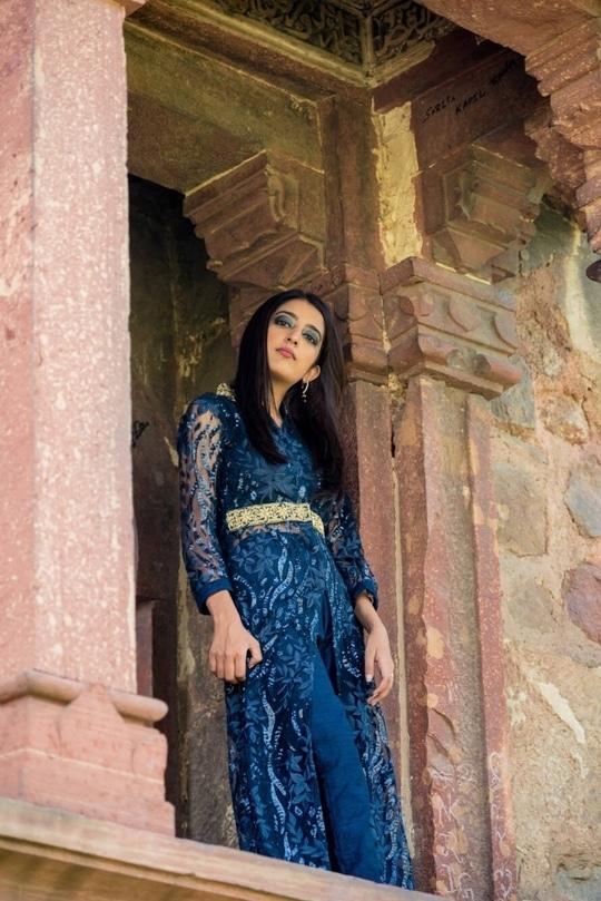   I kind of always opt for straightened hair!  I find it neater and classier! 👩🏽💼 . 📷- thepicturephactory Make up- @sethsomai  . .  #howilikeit #howilikeitjournal #geetikasehgal #fashion #fashionblogger #blogger #indianfashionblogger #indianblogger #bloggersofinstagram #diwalioutfit #diwali #diwali2017 #indianwear #indianoutfit #blue #gold #indianfestival #bluefordiwali