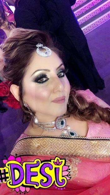 Self makeup and Dressing for a close friends wedding  #meenakshidutt #meenakshiduttmakeoversdelhi #mua #muadelhi #muaindia #beautyexpert #makeupartistdelhi #makeupartistsworldwide #makeupartistindia #makeuptrainer #makeuptraining #indianstyleblogger #indianlook #indianlover #salonowner #hairandmakeup ##desi