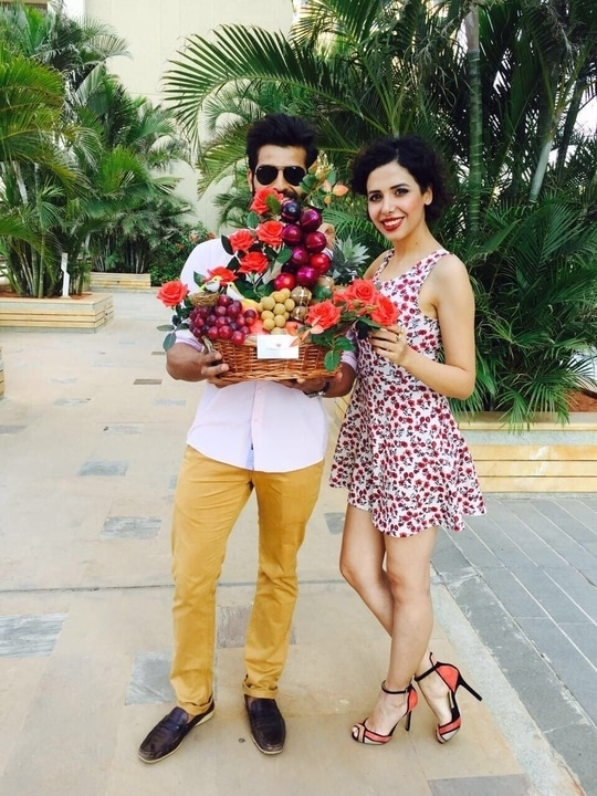 Shoot mode bangalore !  Fruit basket :) a perfect gift 😊  #mrindia #rahul #fruit #fruitbasket