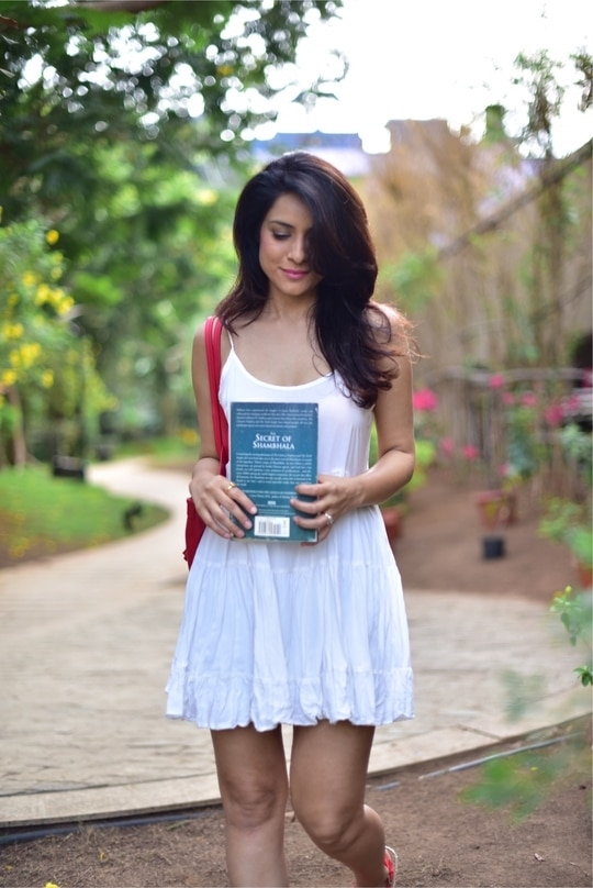 Morning thoughts with a great book :) Dress #forever21 Photo @rishabdahiya