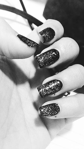 🖤🖤🖤 . . GLITTER is the new BLACK▪️ . #nailart #glitter  #nails #creative #nailedit #nailartaddict #nailscreativity #lovenails #happynails #creativityfound #photooftheday #igdaily #igers #picoftheday #instapic #l4l #bestoftheday #instadaily #photo #love #smile #happy #instalike #fashionista #fashionblog #fashionblogger #fashionforlife #fashionisto
