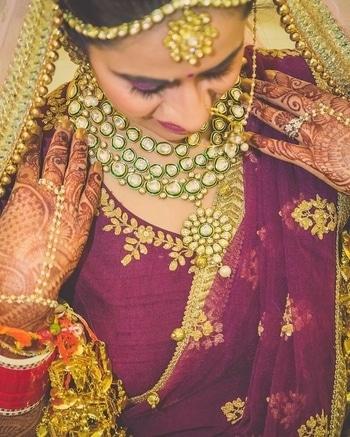 The stunning Zubhana bride story... The statement Zubhana set worn by her..  #zubhana #timelesstreasures #brides #indianbride #bridaljewellery #shaadisaga #polki #kundan #uncutpolki #indianfashion #indianweddings,