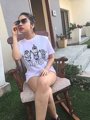 So I came across this wonderful brand which has some amazing t shirts.  The USP of this brand is that these t shirts changes it's color with light.  Isn't it interesting? 😍 Swipe right to see😘 And not only this use my code 'GVH' to get 20% off☺ So hurry up and buy these funky t shirts which are new trending in upcoming month😍 @swadesi_merchandise . . .  #fashion #beauty #fashionstyle  #outfit #lookbook  #love #shooting  #getvoguehere  #ootd #makeup  #pictures #shoot  #accessories #delhiblogger #loveblogging #2017 #summer  #saloni #ahuja #  #blogger #newblogpost #bloggerslife #fashiondesigner  #vogue #bartalkindia #colorchangingtshirt #swag #desi #swadesi
